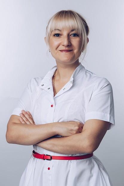 Комарова